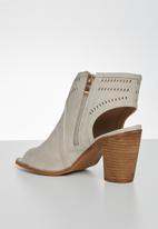 Miss Black - Moon heel - taupe