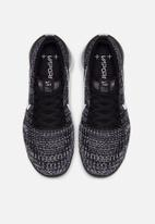 Nike - Air Vapormax Flyknit 3 - Black/White-Metallic sliver