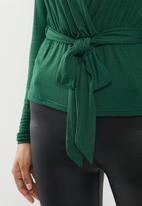 Missguided - Wrap front peplum top - bottle green