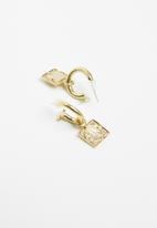 Matter of Fakt - Small brass square Peso earrings - gold