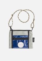 Sealand - Roachie small flight bag - grey & blue