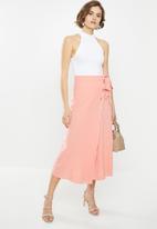 Glamorous - Petite wrap midi skirt with button detail - coral