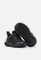 adidas Performance - Fortarun ac i - black