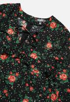 Missguided - Petite long sleeve floral shift dress - black