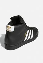 adidas Originals - Pro model - core black/ftwr white/gold foil