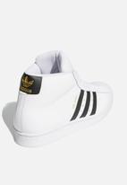 adidas Originals - Pro model - ftwr white/core black/gold foil
