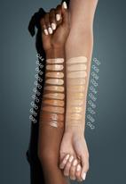 Catrice - Hd liquid coverage foundation - 035 natural beige