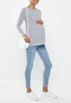 Cotton On - Maternity 2-in-1 long sleeve top - essie stripe white