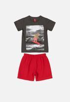 Bee Loop - Printed tee and shorts set - grey & red