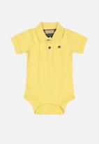 UP Baby - Baby golfer - yellow