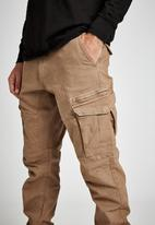 Cotton On - Urban jogger - washed biscuit cargo