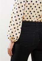 Missguided - Polka dot balloon sleeve wrap bodysuit - cream