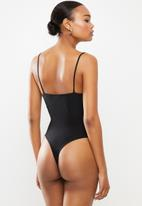Missguided - Bust seam free strappy bodysuit - black