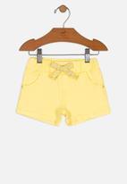UP Baby - Girls twill shorts - yellow
