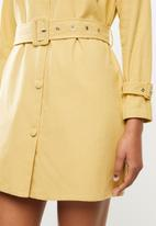 Missguided - Smart utility denim dress - yellow
