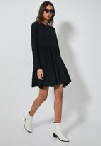 Superbalist - Tiered knit dress - black