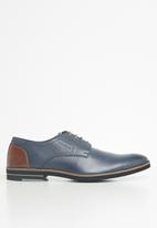 Pringle of Scotland - Micheal lace up - navy & brown