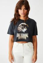 Factorie - Short sleeve raw edge crop T-shirt the strong survive - washed black