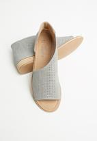 Miss Black - Micah peep toe - grey