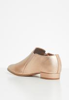 Miss Black - Attigone loafer - rose gold