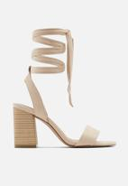 Call It Spring - Kimmii heel - beige