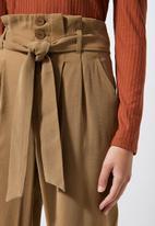 Superbalist - Premium paperbag trousers - tobacco