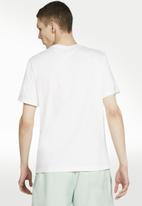 Nike - Nsw 1 illustration short sleeve tee - white