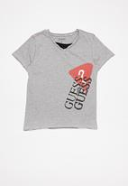 GUESS - Short sleeve peepout guess spray tee - grey