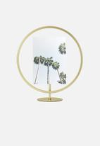 Umbra - Infinity photo display - matte brass