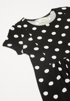 Superbalist Kids - Cutline detail dress - black & white