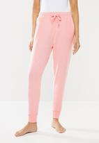 Cotton On - Supersoft slim fit pants - peaches & cream marle