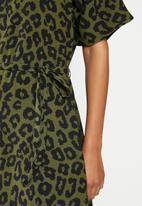 Jacqueline de Yong - Seda dress - olive