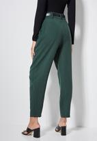 Superbalist - Premium tapered trousers - green