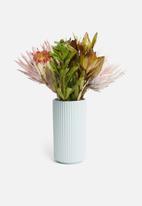 H&S - Ribbed vase - blue