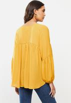 VELVET - Georgette trapeze blouse - yellow
