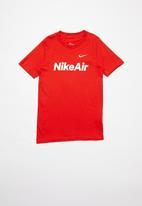 Nike - Bb nsw tee Nike air c&s - red