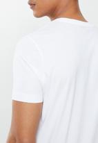 PUMA - Nu-tility graphic tee - white