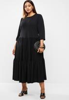 edit Plus - Knit tiered dress - black