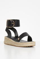 Plum - Chic sandal - black