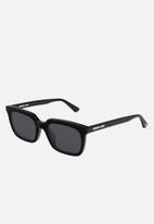 McQ - Mq0191s-001 52 sunglasses - black