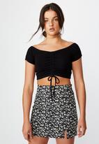 Factorie - Double split mini skirt - crushed black floral