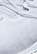 Nike - Air Zoom Vomero 14 - football grey/aurora green-white