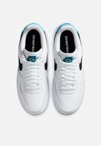 Nike - Air Force 1 '07 - Worldwide