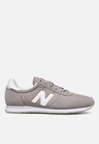 New Balance  - 720 Classic racer - grey/white