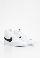Nike - Nike blazer mid - white & black
