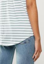 Cotton On - The one scoop tee - ella stripe white & iceburg green