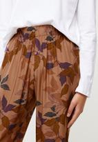 Superbalist - Sleep long sleeve top & pants set - milk & taupe floral