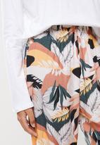 Superbalist - Sleep long sleeve top & pants set - milk & modern print