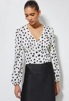 Superbalist - V-neck button down blouse - white