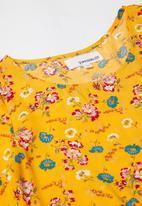 Superbalist - Tiered midi dress - yellow